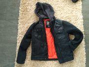 Verkaufe Jungen Jacke Größe 134