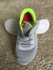 Kinderturnschuh Nike Gr 27