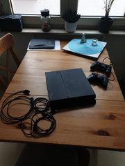 Playstation4 mit Games und Controller