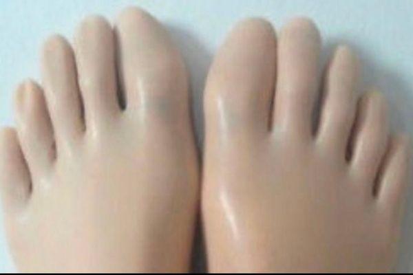 Latex Zehen Socken Hautfarben L