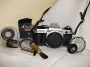 CANON AE1 Spiegelreflex-Kamera mit Fototasche