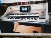 Keyboard Yamaha Tyros 5 zu