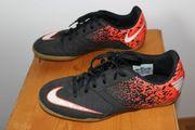 Nike Hallenturnschuh Größe 38 5