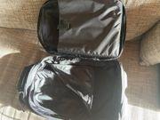 Trolley von Eastpak mit Tasche