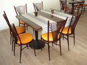 4 Tische mit 16 Stühlen