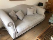 Sofa hellgrau inkl 4 Kissen