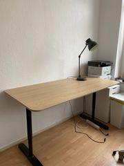 Höhenverstellbarer Schreibtisch manuell