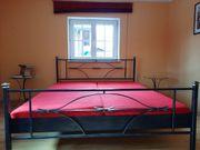 Stylisches Doppelbett 180x200cm