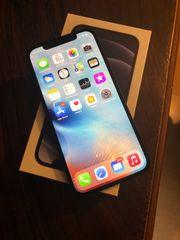 iPhone 12 64 GB 10