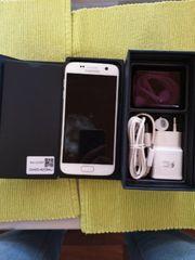 Galaxy S7 in Pearlwhite