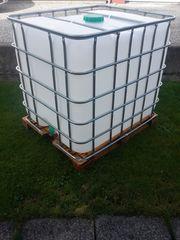 Neuwertigen 1000 liter Wassertank auf