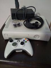 Xbox 360 mit Festplatte Gamepad