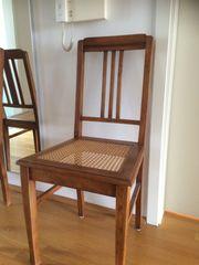 Edel-schlichter Stuhl aus Massivholz Sitzfläche