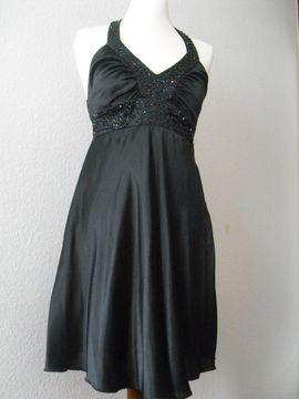 Festliche Abendbekleidung, Damen und Herren - Elegantes Kleid für jede Einlässe