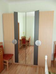 4-türiger Kleiderschrank mit großen Spiegeln
