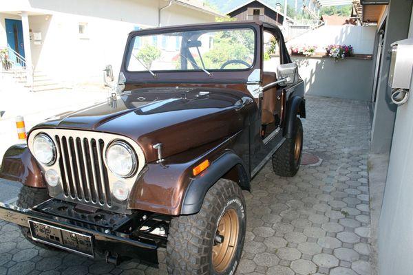 JEEP CJ7 Golden Eagle V8