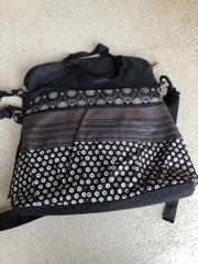 Schicke Wickeltasche mit Wickelauflage