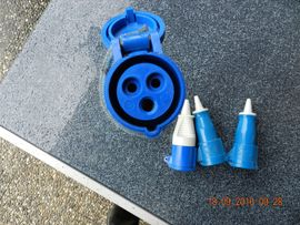 Campingartikel - Blaue CEE Kupplungen 16 Amp