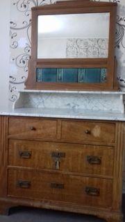 Alte Antike Komode mit Marmorplatte