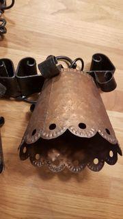 antike gusseiserne Lampe