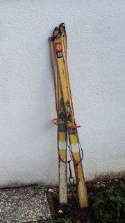 Alte Ski Deko