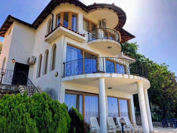 Große Villa mit herrlichem Meerblick