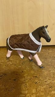 Schleich Pferd mit Decke