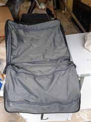 Super-Koffer komplett mit Reisebügeln