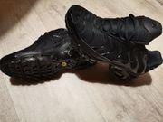 Nike TN in schwarz