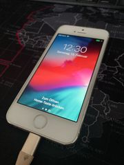 iPhone 5s in Silber mit