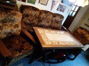 Couch 2 Sessel und Tisch