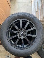 Reifensatz Alufelge schwarz Ford Kuga