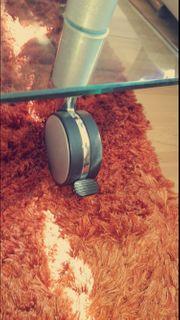 Wohnzimmercouchtisch aus Glas auf 2