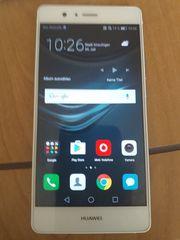 Huawei Handy mit Zubehör
