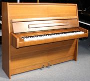 Klavier Steinway Sons V-123 Nußbaum