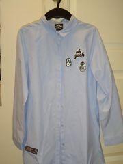 langes hellblaues Hemd für Mädchen