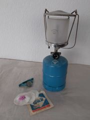 Gaslampe von Campinggaz mit Campinggasflasche