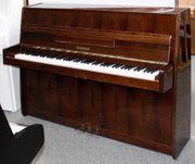 Klavier Legnica 100 Nußbaum poliert
