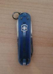 Victorinox Classic in blau