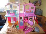 Barbie Haus Mitnehmhaus 9 Puppen