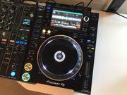 2x Pioneer CDJ 2000 NXS2
