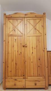 Schlafzimmerschrank Echtholz gut erhalten