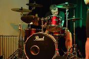 Schlagzeuger Cajónist sucht Band oder
