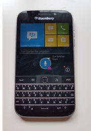 BlackBerry Classic SQC100-1 Handy Smartphone