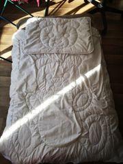 Bettdecke und Kissen für Kinder