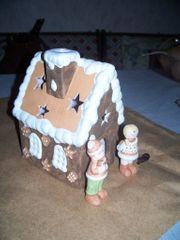 Knusperhaus und 2 Figuren