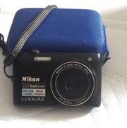 Nikon Digitalkamera fast neue