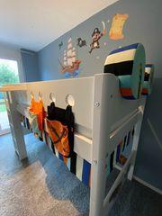 Kinderzimmer - Hochbett Kleiderschrank Regal