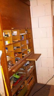 alter Aktenschrank Kellerschrank mit Rollladentüren