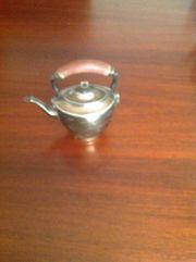 Alte Teekanne vermutlich Silber